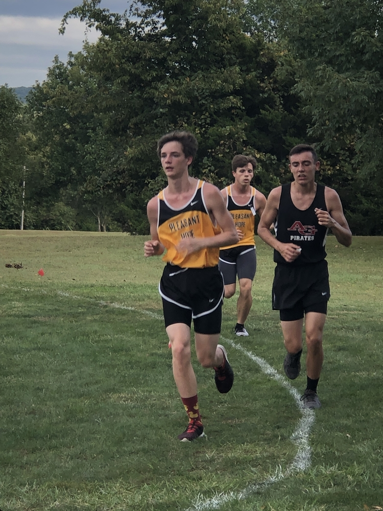 High School Cross Country Runners compete at Stockton Invitational