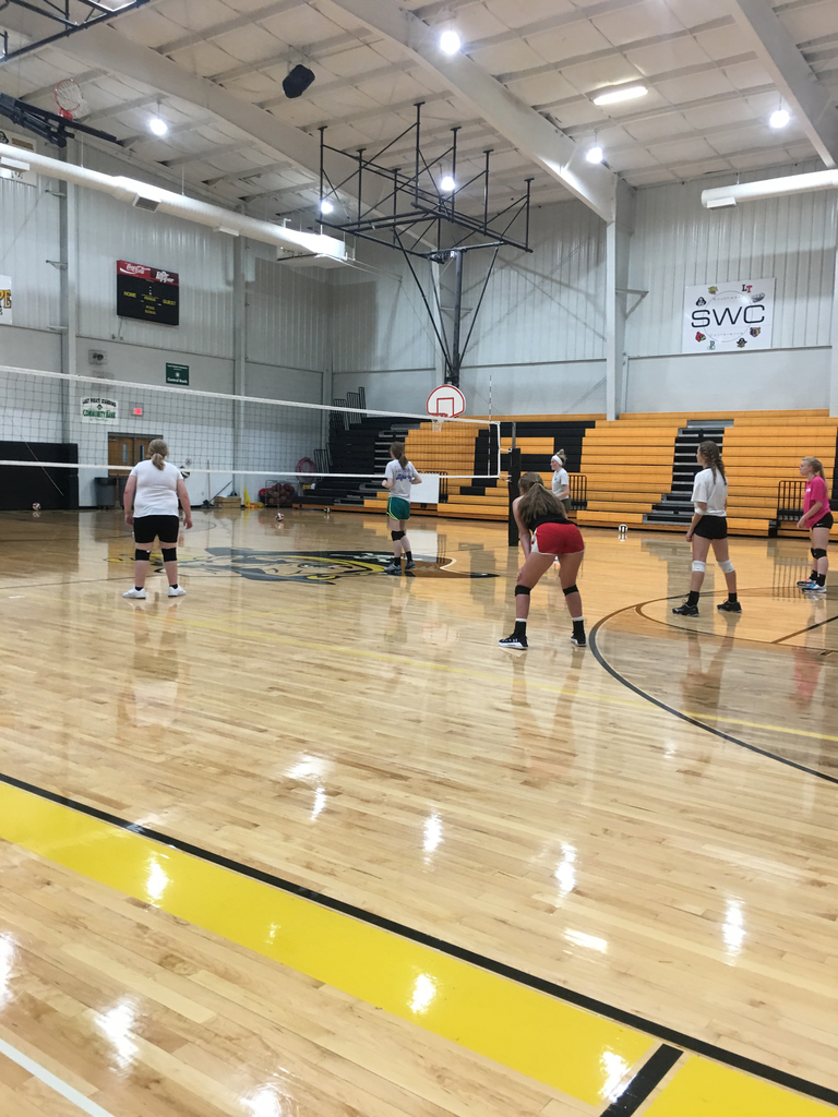 Volleyball girls on Day 1 of the 2019 season!!!