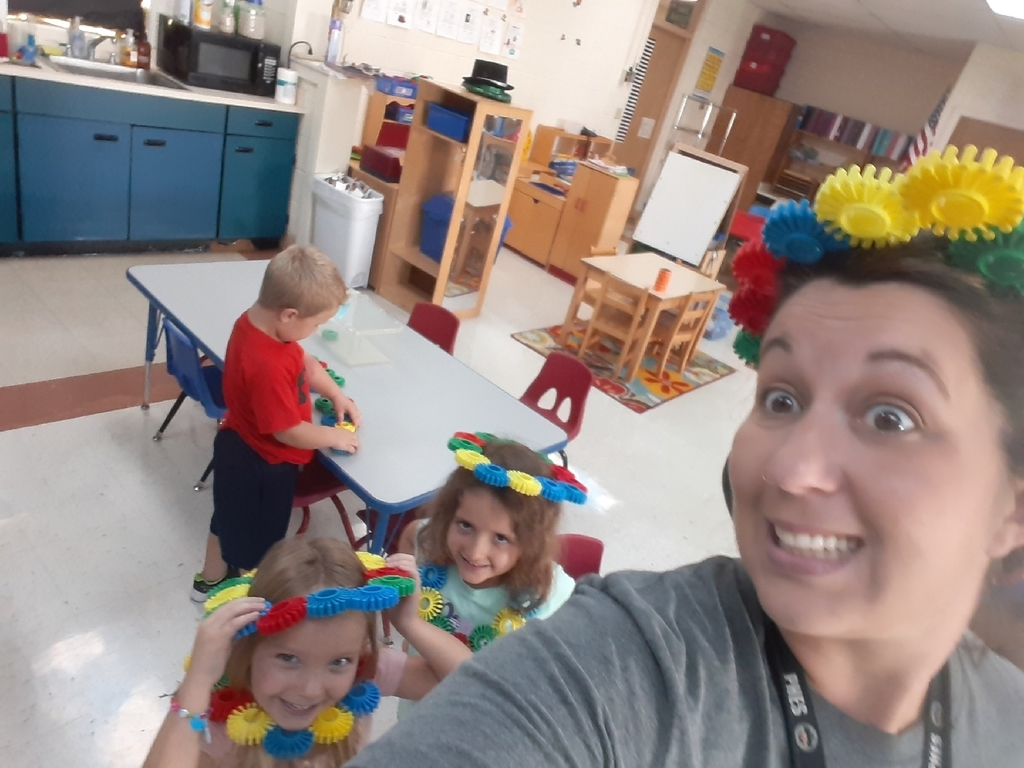Sometimes in preschool you have to be a princess to find out how many conectors fit on your head...