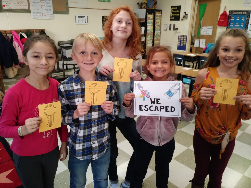 Mrs. Grantham's fourth graders engaged in an Escape Room math activity!  It was challenging and rewarding!