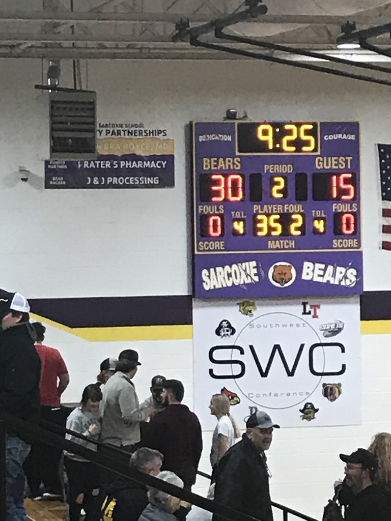 Boys trail by 15 at half
